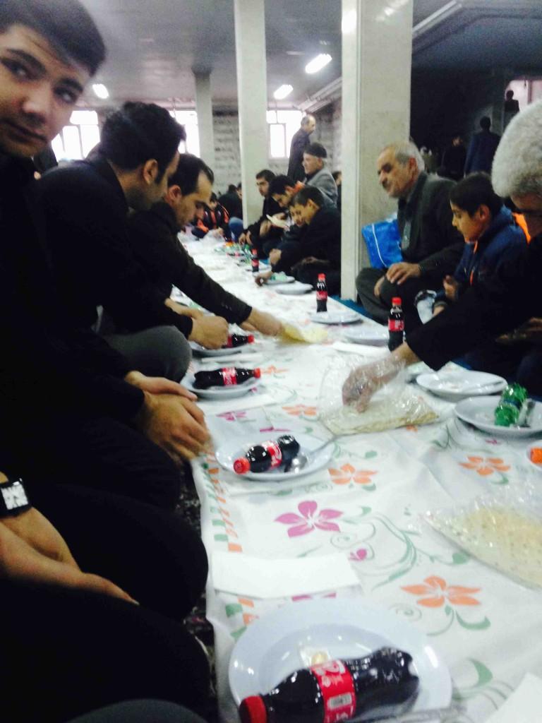 Almuerzo en la mezquita