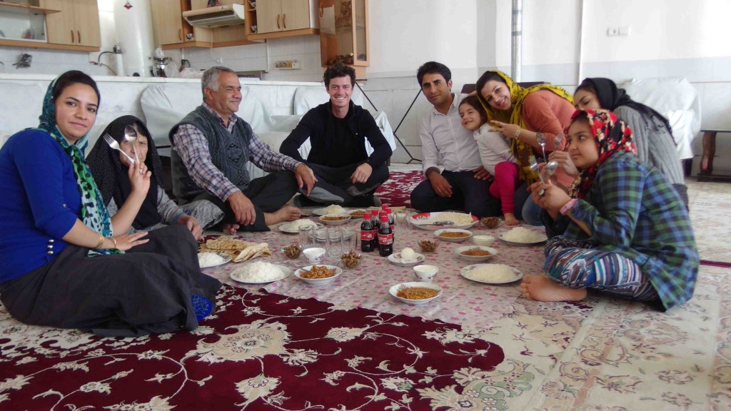 Almorzando con la familia Hardi